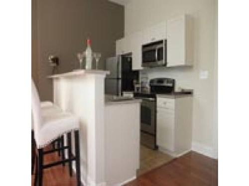 1BR/1BA Apartment - Pittsburgh Apt 1219 Photo 1